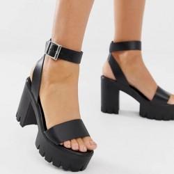 Черни сандали на платформа