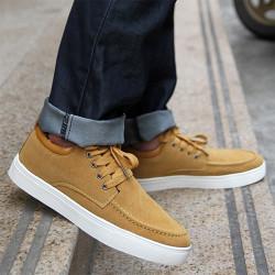 Предложения за носене на ежедневни обувки с дънки за мъже
