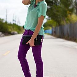 С какво се съчетават лилавите панталони?
