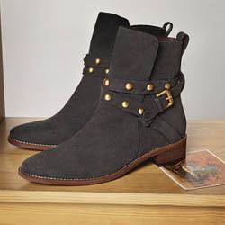 Удобните и красиви обувки за студения сезон