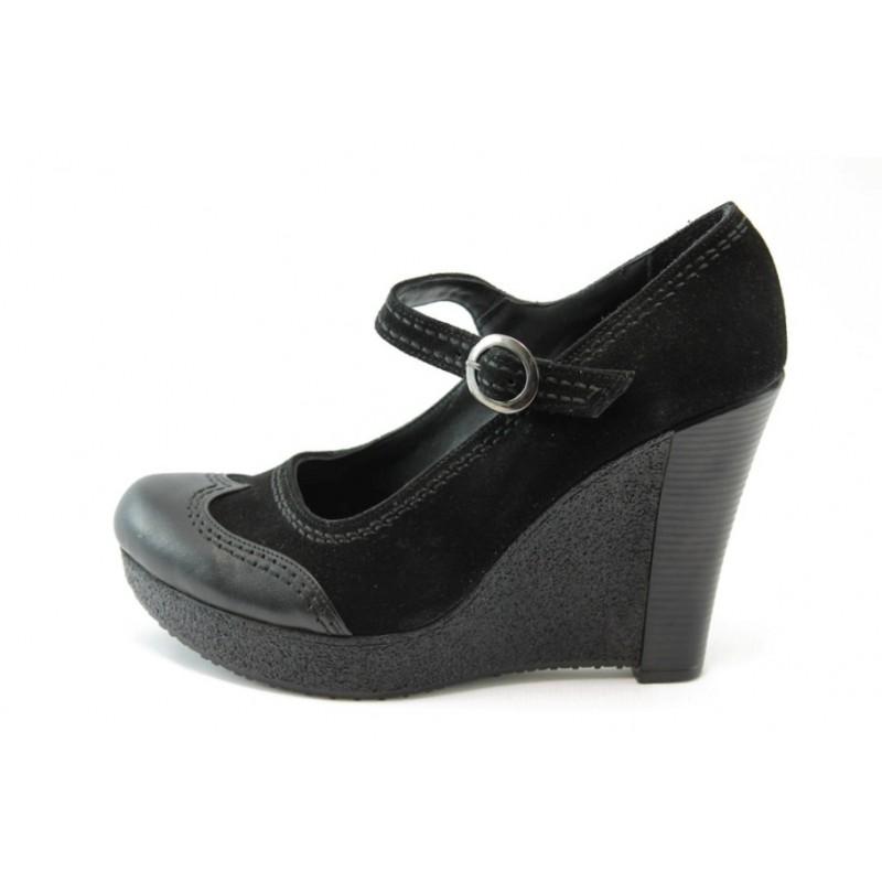 0338c698e40 Дамски обувки черни на висока платформа МИ 600KP
