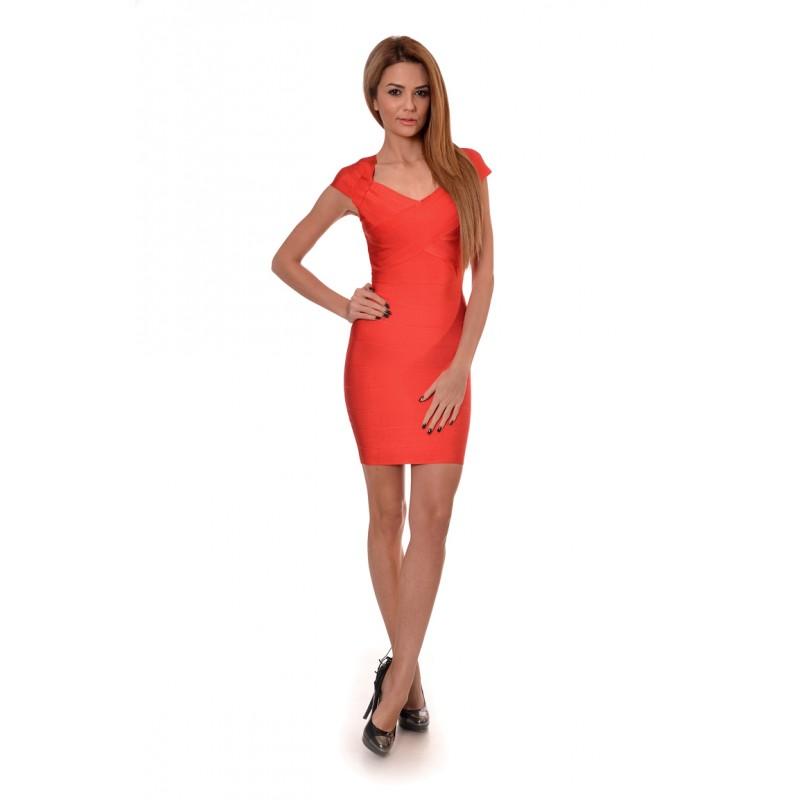 Червена рокля по тялото 51eb0b486d1