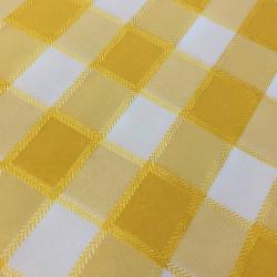 Карирана жълта покривка за маса