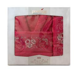 Луксозни халат и кърпи с бродерия в цикламено