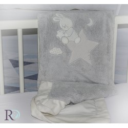 Сиво бебешко одеяло с бродерия зайче